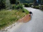 f.04.06.2014 Da due settimane perdita d'acqua calda sulla strada di Pruno